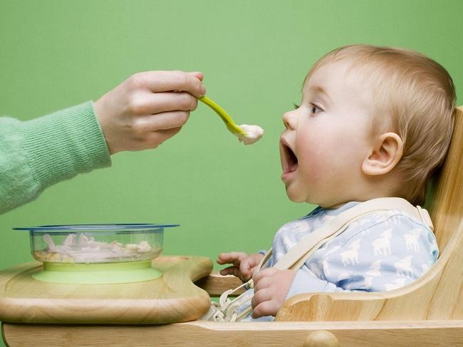 thực đơn ăn dặm cho trẻ 6 tháng tăng cân