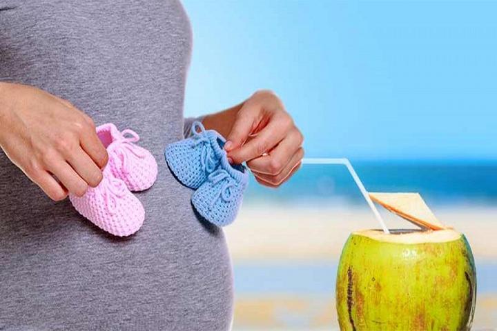 Mẹ bầu khi nào được uống nước dừa