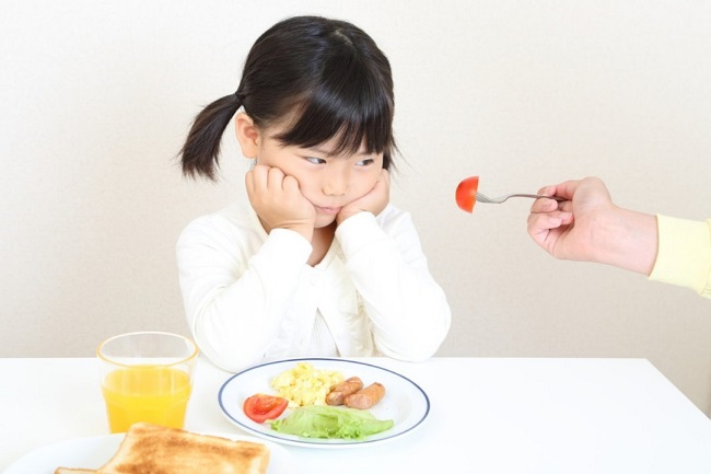 trẻ biếng ăn bổ sung gì