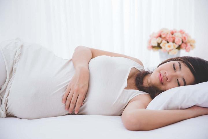 Cách giảm đau lưng khi mang thai